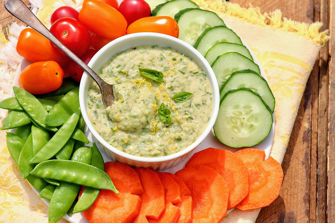 Green Goddess White Bean & Artichoke Dip-Protein-rich and loaded with fresh flavor, this easy dip makes a fabulous sandwich spread and is a great alternative to hummus