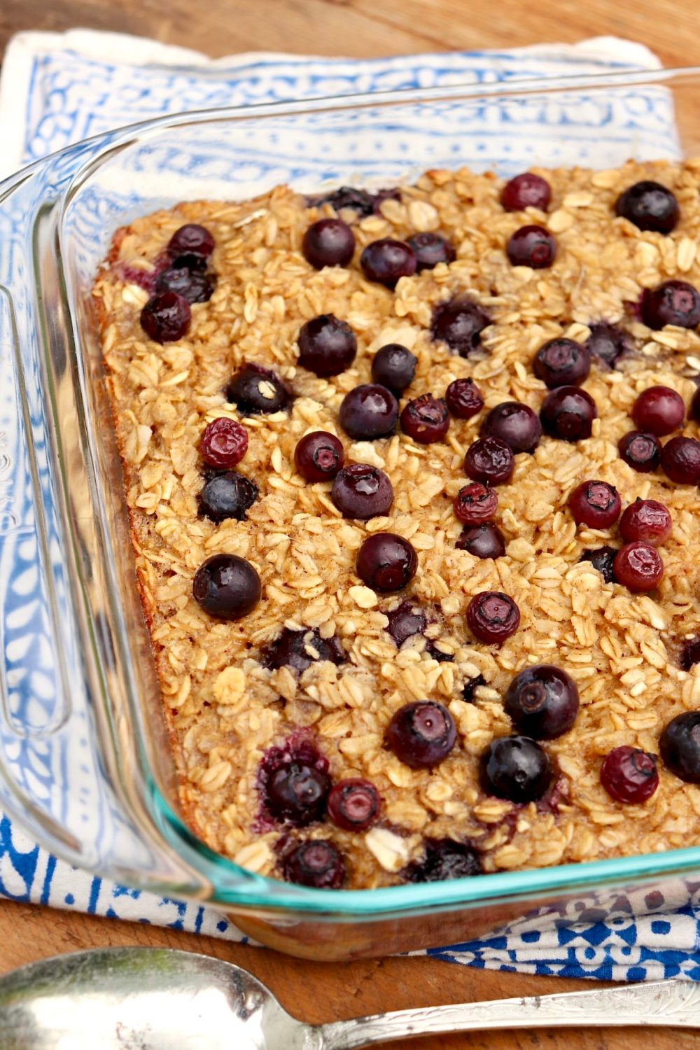 With just 5.3 grams of added sugar per serving, this healthy, wholegrain breakfast relies on the natural sweetness of whole fruit to deliver great taste that we can feel good about. For added convenience, the recipe offers choices!