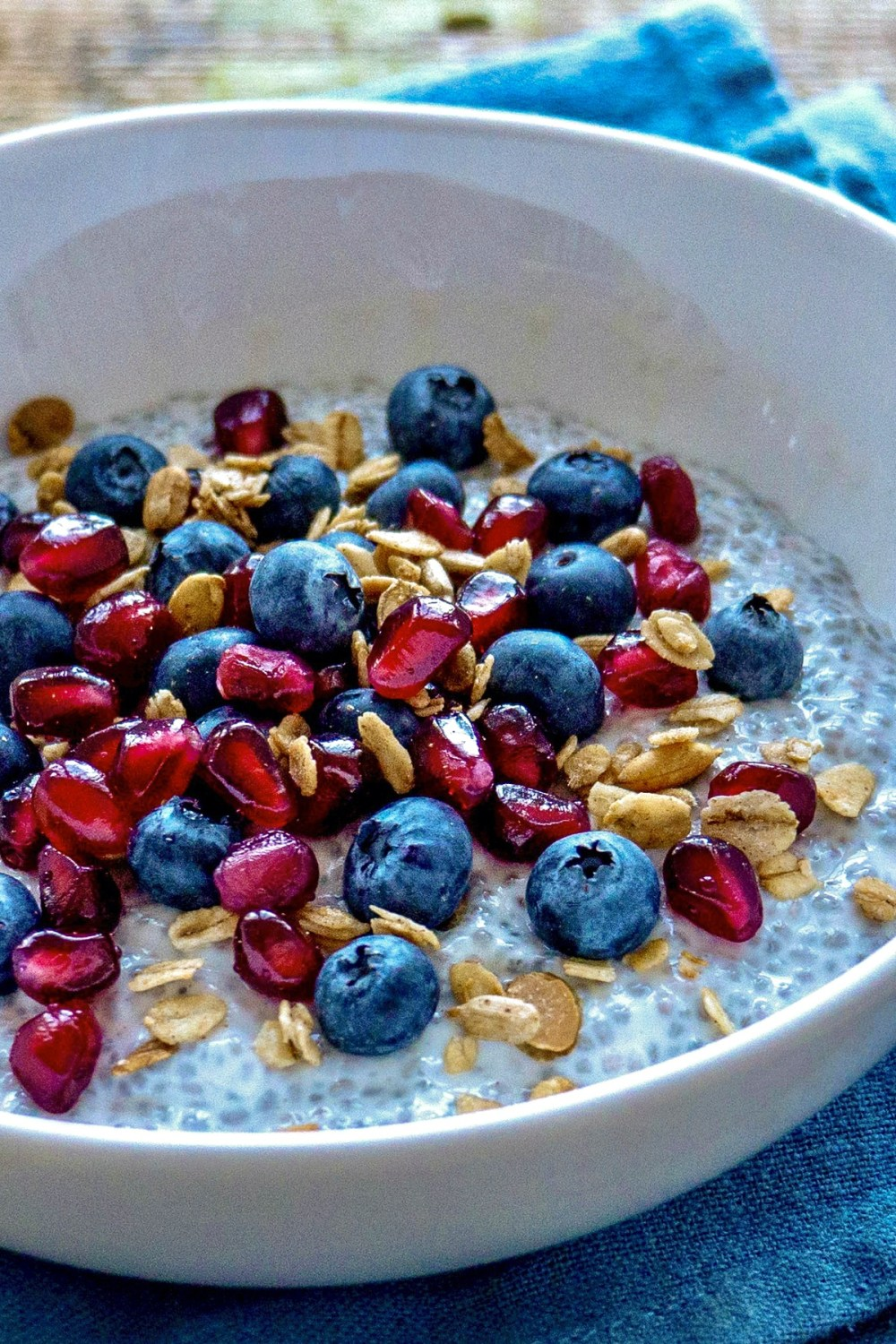 This low-sugar alternative to the popular acai bowls takes a just few minutes to make and offers a deliciously filling start to the day.The concept is similar to stovetop oatmeal or overnight oats, as you can top and customize to taste.