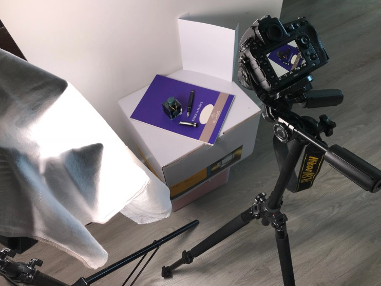 photographing a fountain pen light setup