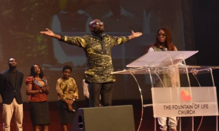 Pastor Taiwo Charges Believers to 'Take the Limits Off God'