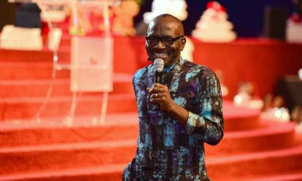 Pastor Taiwo Preaches on Thanksgiving