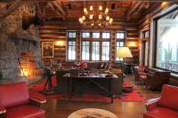 Mountain Lodge Rustic Interior Design in Montana, USA ...