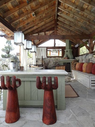 20 Ideas and Examples of WellArranged Outdoor Kitchens