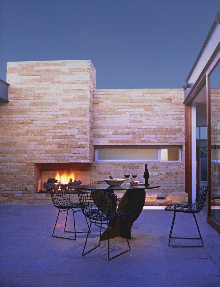 Contemporary Makeover of a MidCentury Modern Home