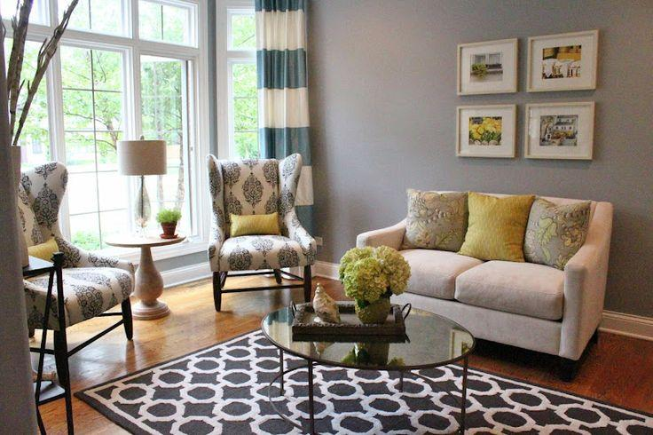 Living Room Area Rugs and Decorating Ideas