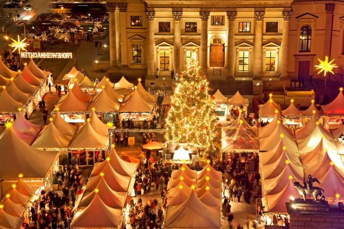 Берлин: рождественский базар на площади Жандарменмаркт