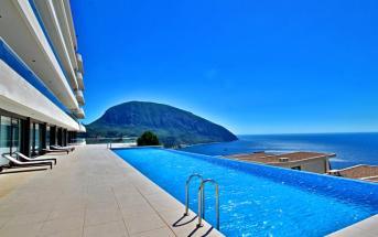 «Резиденция Алтея» - отель в Крыму с бассейном и видом на Медведь-гору