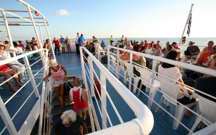 Как добраться на Санторини: паром с открытой палубой