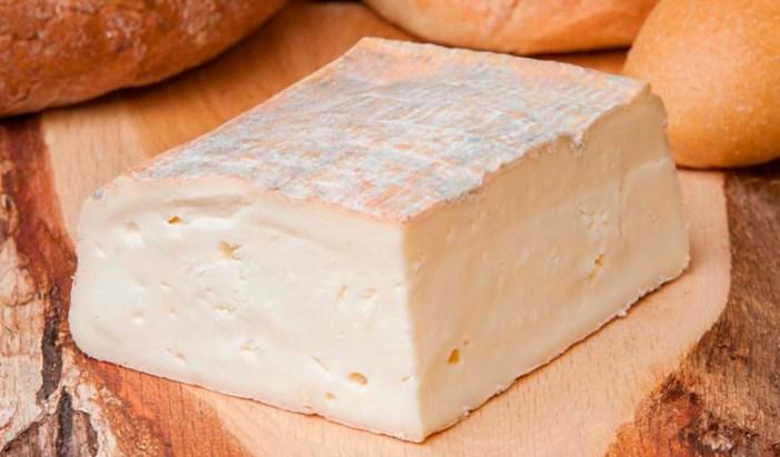 Сыр Таледжо (Ломбардия, Италия)