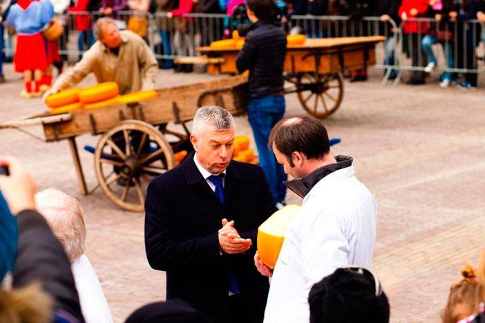 Как попасть на сырную ярмарку в Алкмаре, Нидерланды