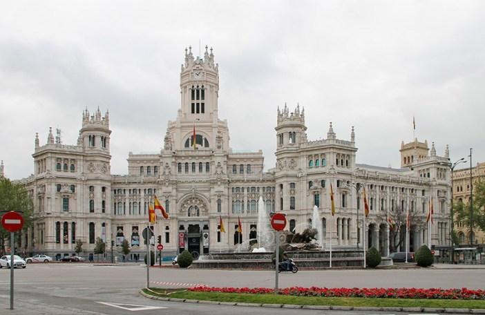Дворец Сибелес (Palacio de de Cibeles) в Мадриде