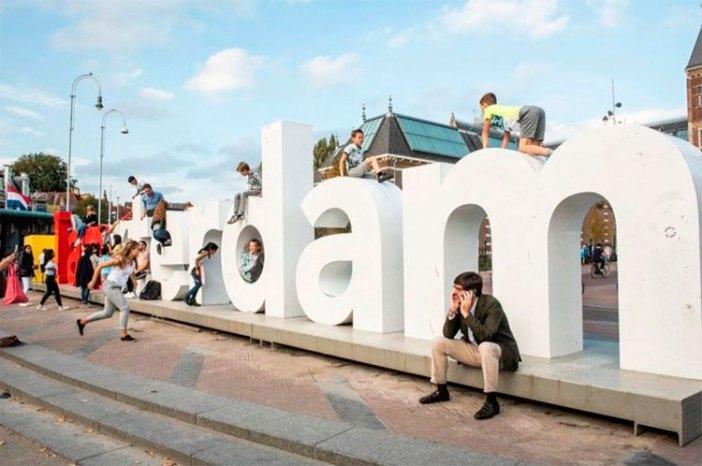 Куда сходить с детьми в Амстердаме: буквы Iamsterdam