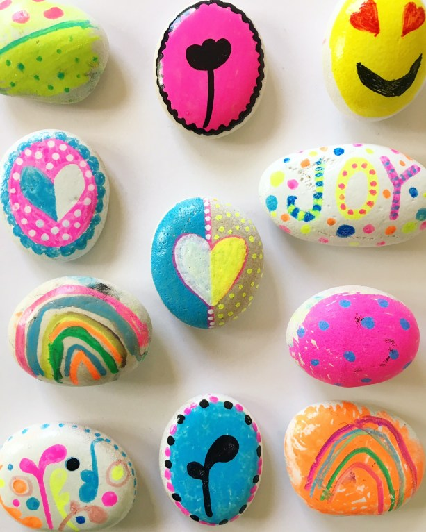 Painted rocks - kindness rock painting ideas for kid, more on the blog.