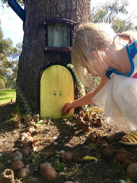 Fairy door ideas for kids   www.fourcheekymonkeys.com