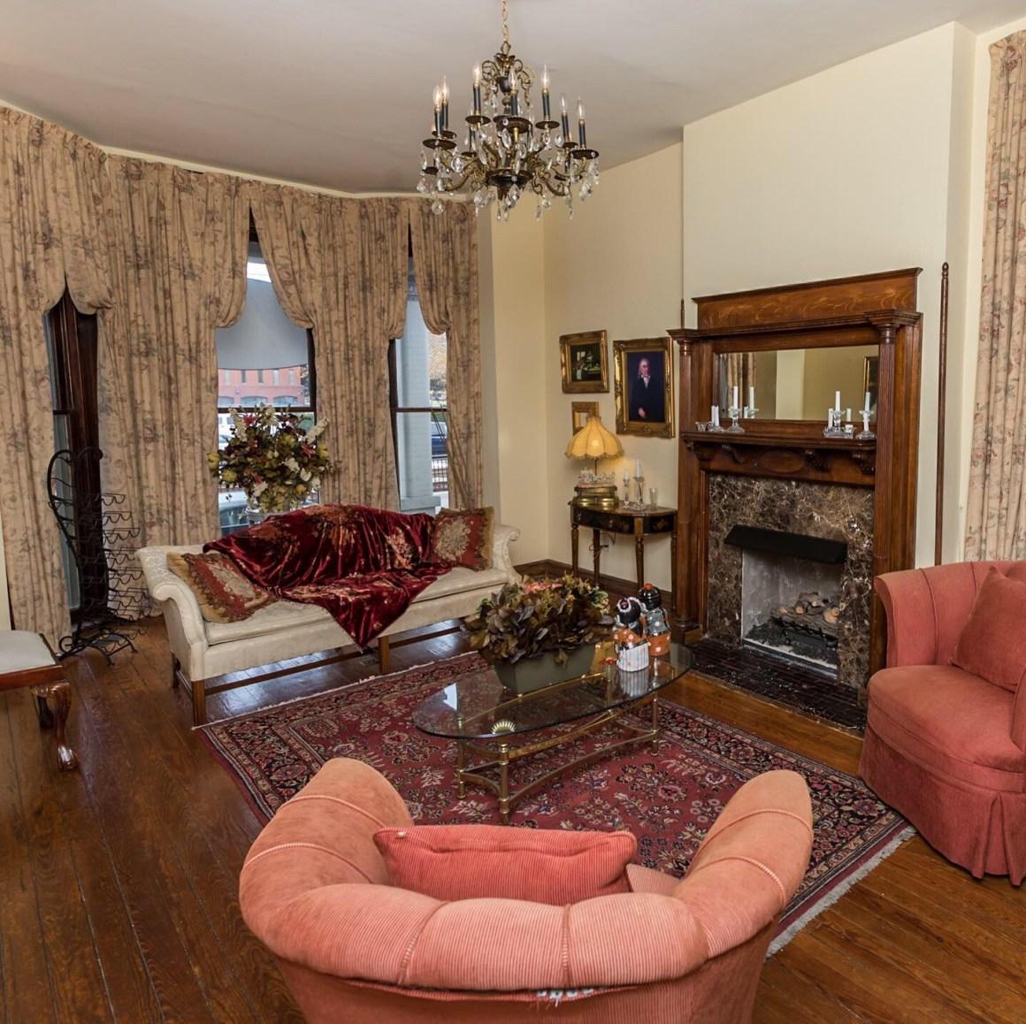 Freemason Inn Living Room