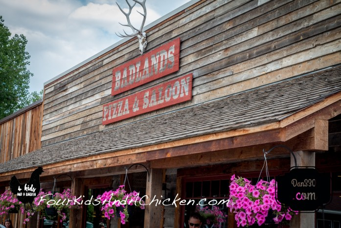 badlands pizza and saloon