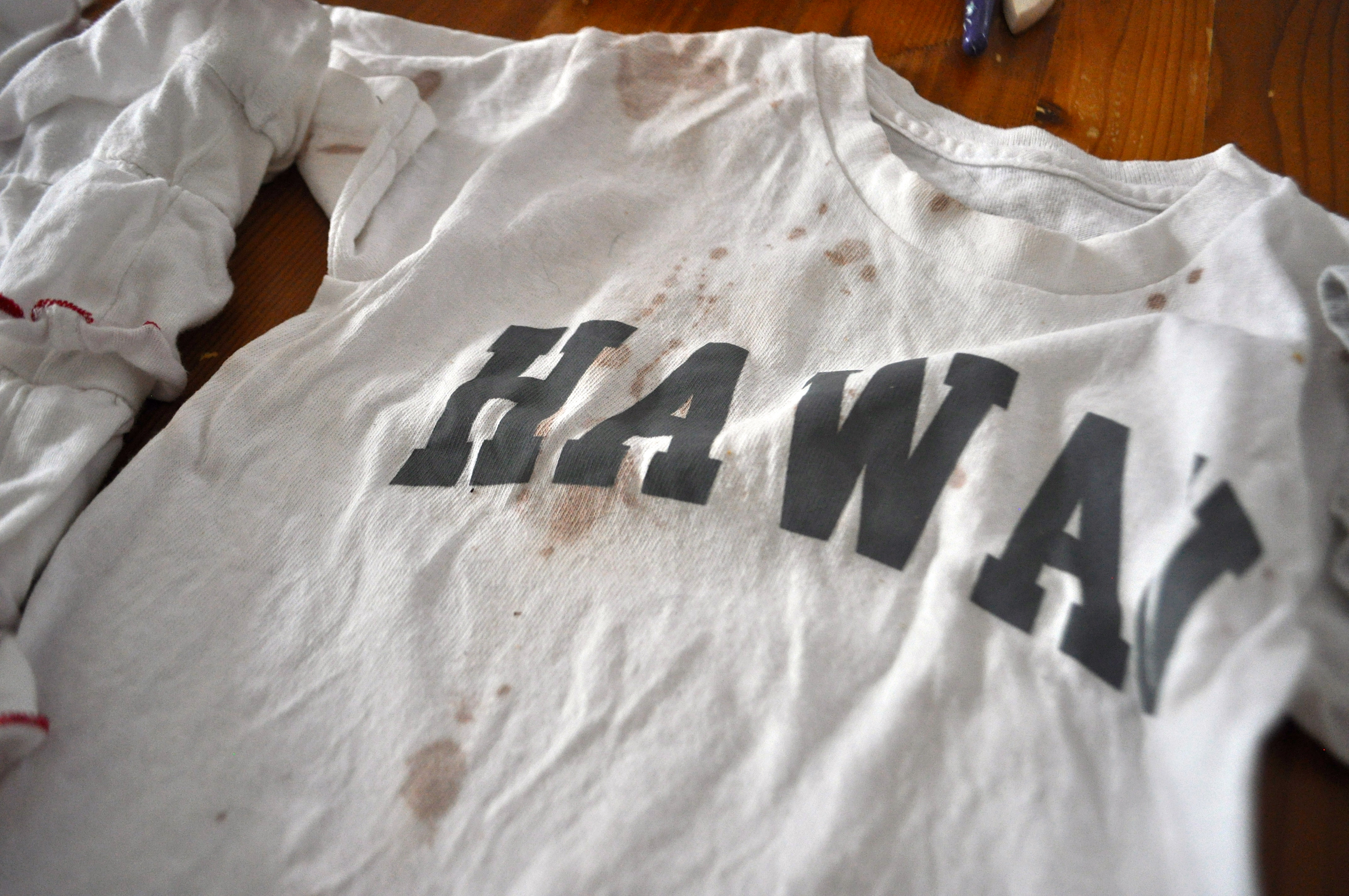 Tiedying with Acrylic Paints Stains clothes not skin