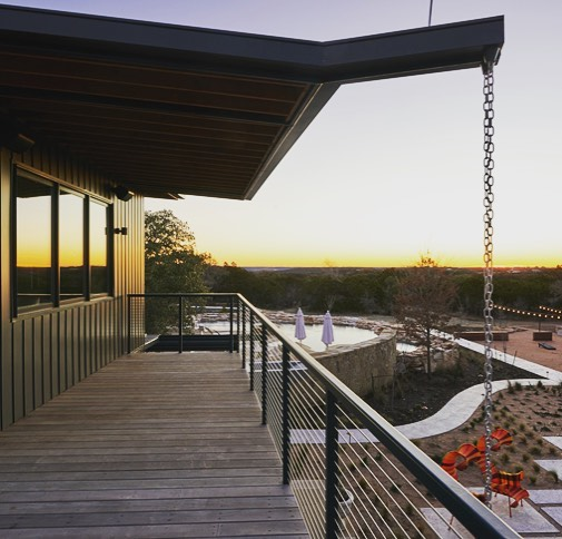 Good morning from our perch on the lookout deck in Driftwood, Texas! Built by @foursquarebuilders in the