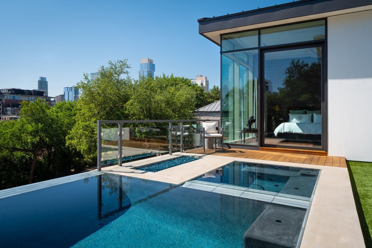 Our clients could be sheltered in place pretty much anywhere they wanted. Their first choice was to be in their new home overlooking Austin's downtown skyline. ⁠ ⁠ Built by @foursquarebuilders Designed by @laruearchitects Pool by @austinwaterdesigns Interiors by @lovecounty