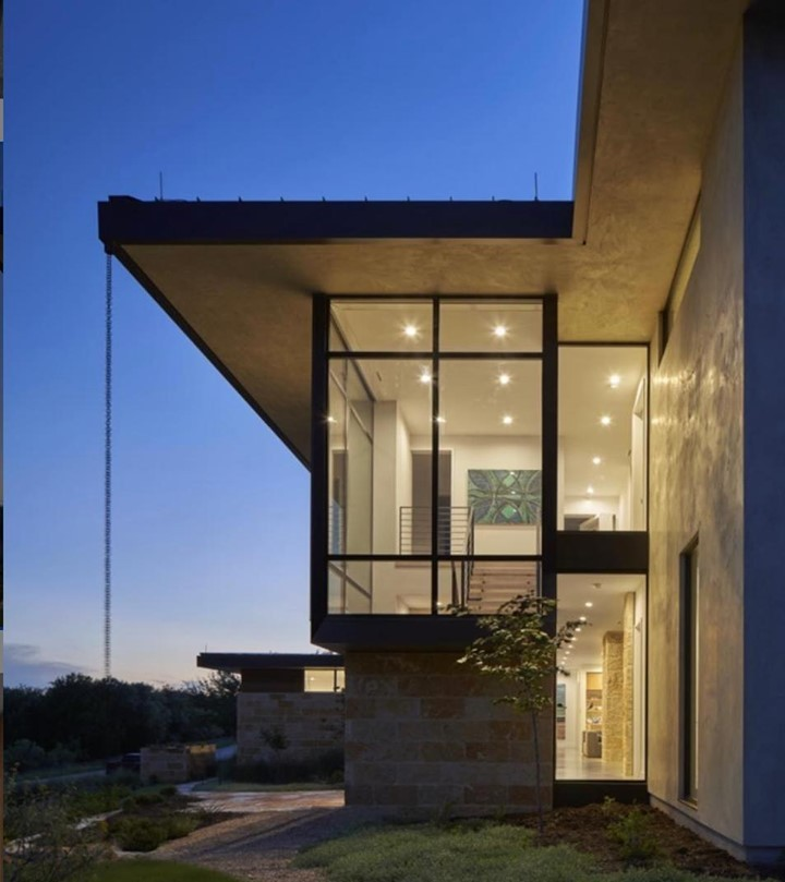 Lake Travis home   Designed by @dc_architecture  Built by Foursquare Builders