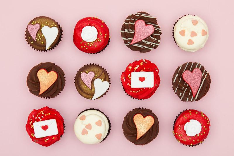 Lola's Cupcakes Valentine's