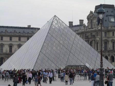 Eingang Louvre