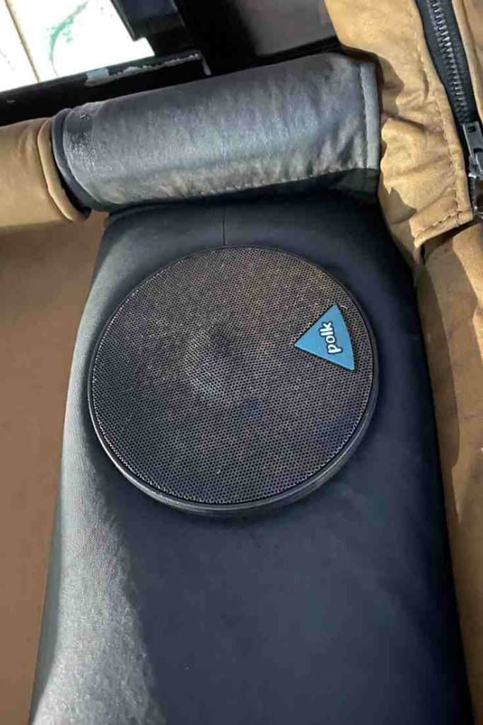 Jeep Roll Bar Speakers : speakers, Wrangler, Sound, System, Upgrade, Using, Factory, Radio, Wheel, Trends