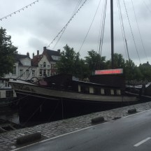 't Pannenkoekschip in gracht