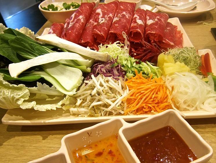 Kelebihan Menyantap Makanan Khas Jepang Sukiyaki di Shabu Gen