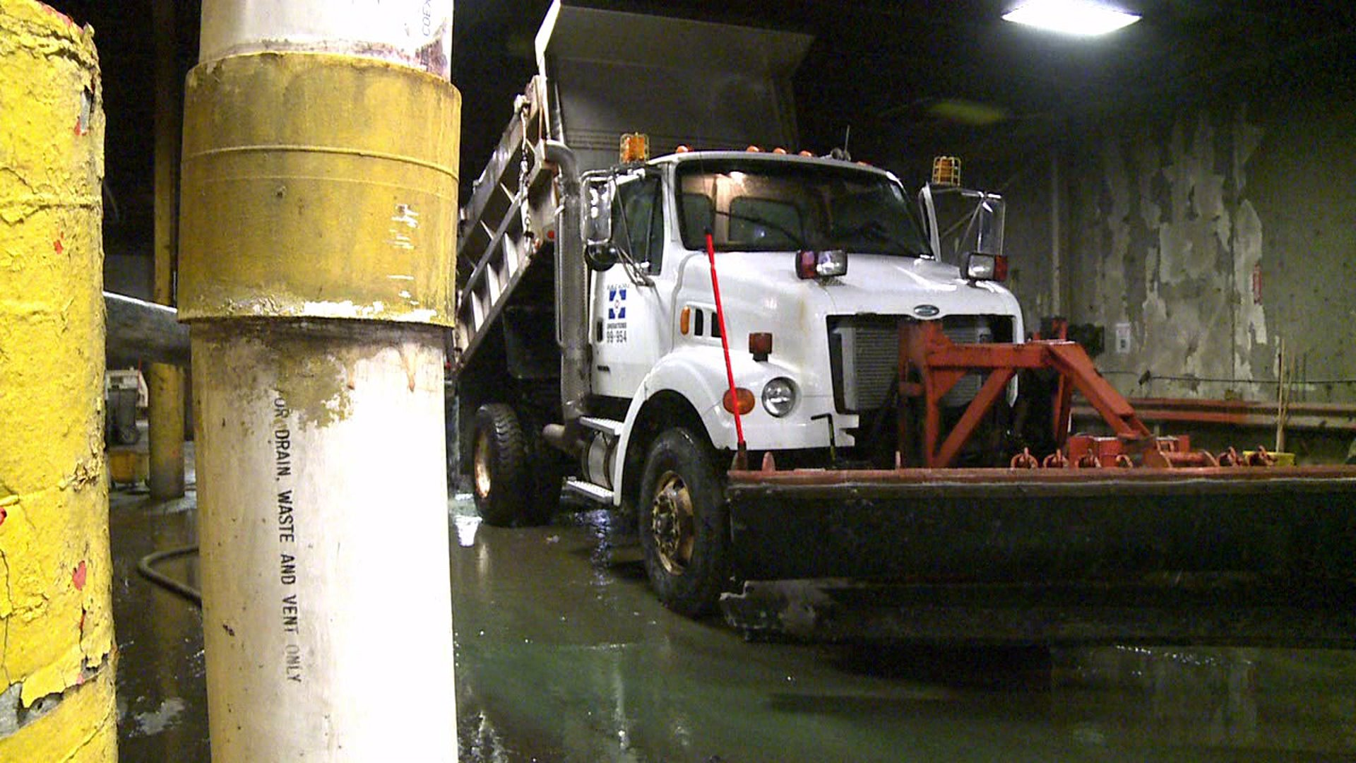 dpw cleaning plow