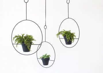 Hanging Plant Holder by Sonadora in Love | via Fox & Brie