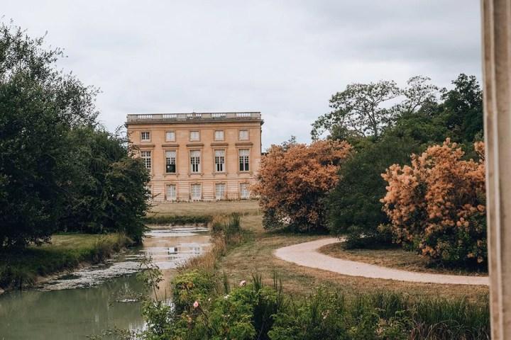 Vue sur le Petit Trianon de Versailles