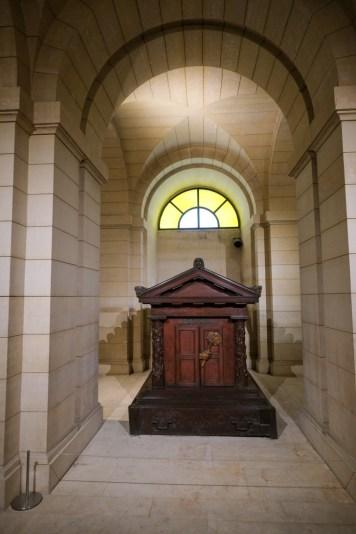 Où est enterré Rousseau ?