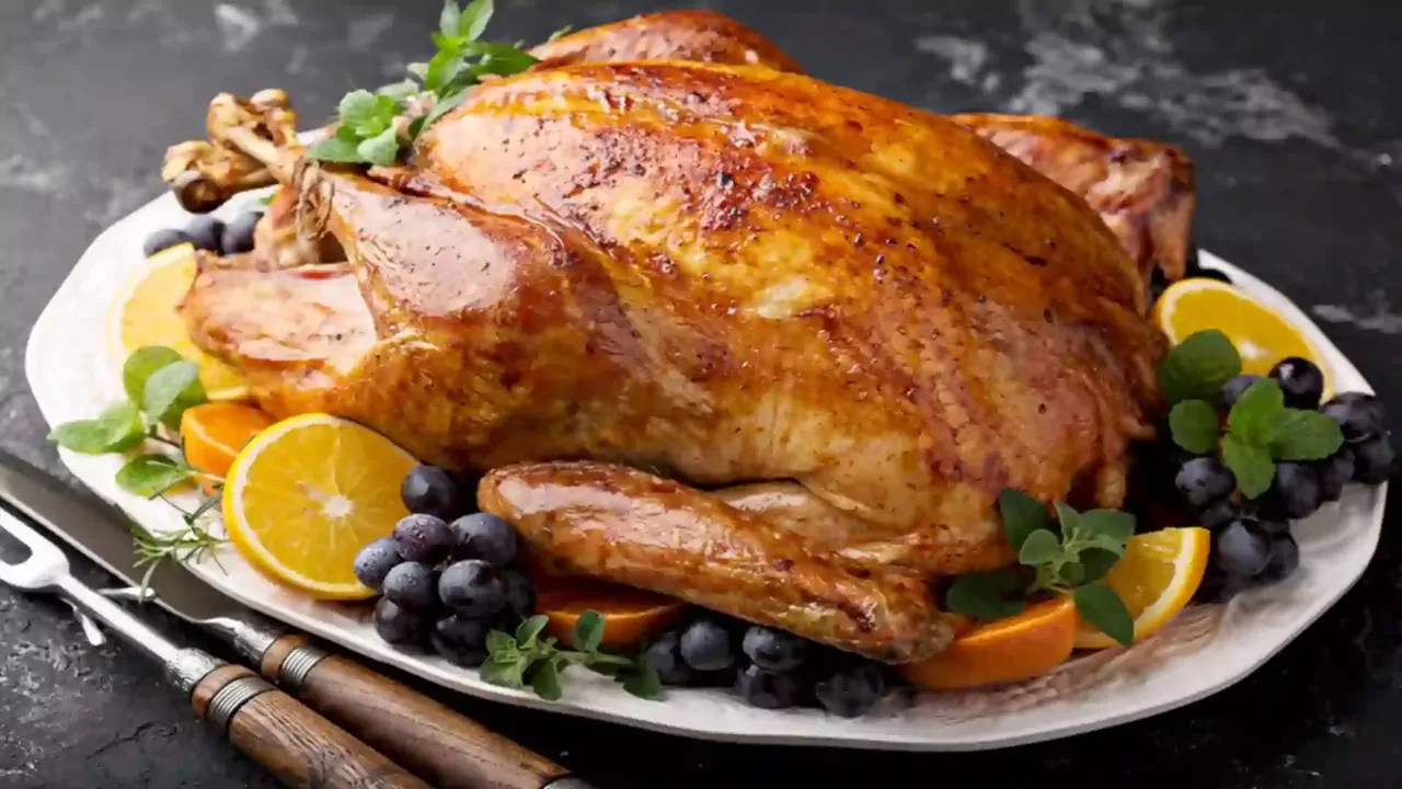 Juicy turkey roast with honey and lime10