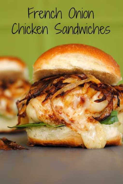 French Onion Chicken Sandwiches - all of the flavor of French Onion Soup, in a chicken sandwich! | foxeslovelemons.com