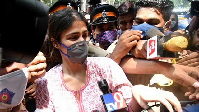 Rhea Chakraborty featured