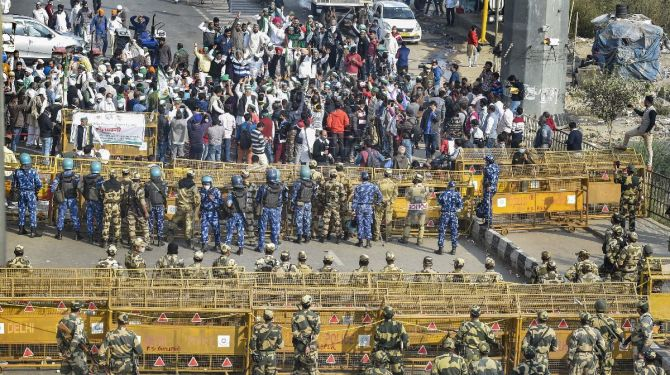 Government to hold talks with farmers as protest intensifies