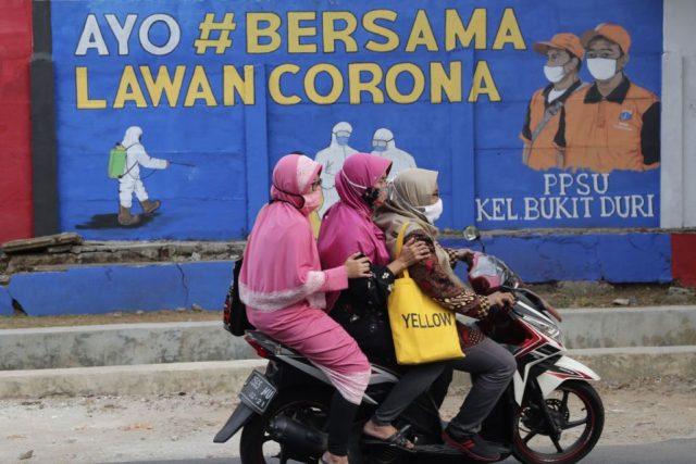 Muslim Population raises concern over halal status of the COVID-19 vaccine