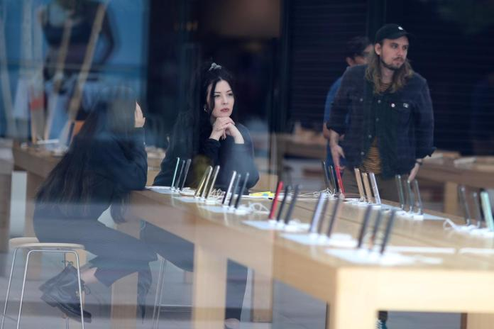 Apple temporarily shuts 53 stores in California: 16 in UK amid COVID-19