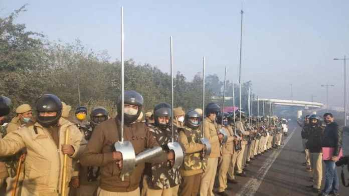 elhi Police speaks on the cops photos in new armour