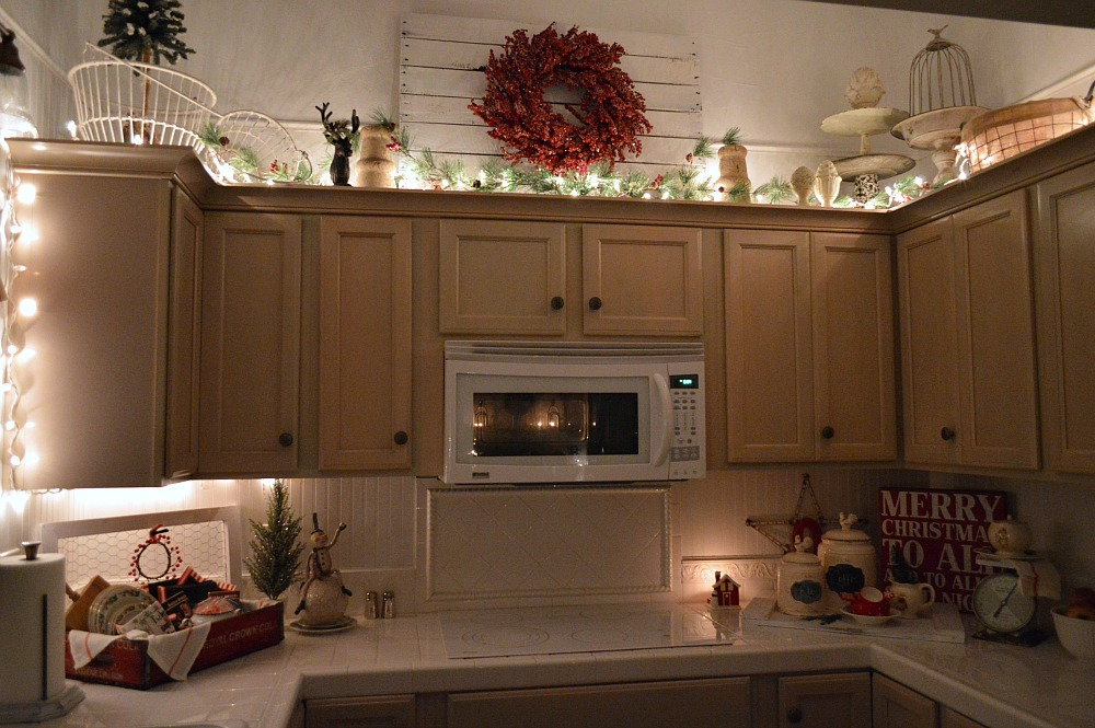 Cozy Cottage Christmas Nights Tour
