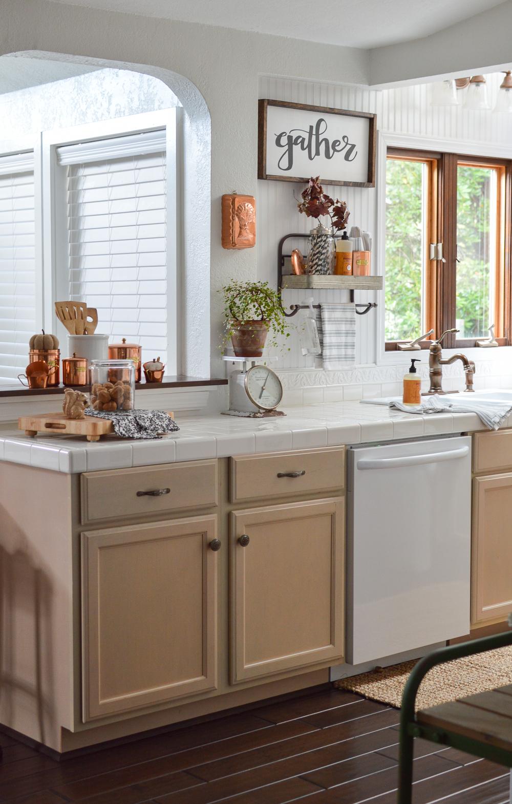 Fall Vintage Kitchen Decorating