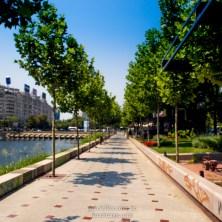 Sidewalk along the riverside