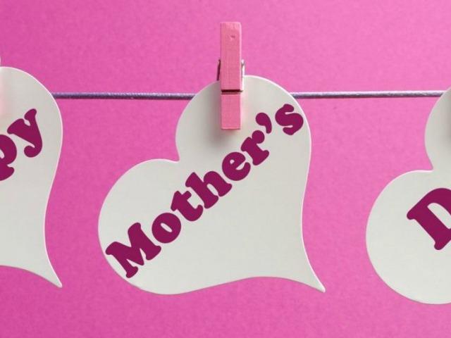 7 moms who rock the romance genre!