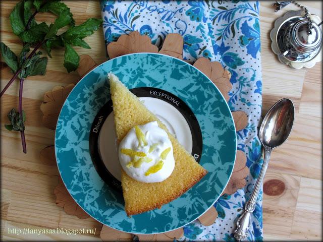 Лимонно-йогуртовый пирог с мятным сиропом