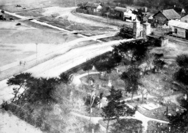 An overhead view of the Huguenot Cemetery.