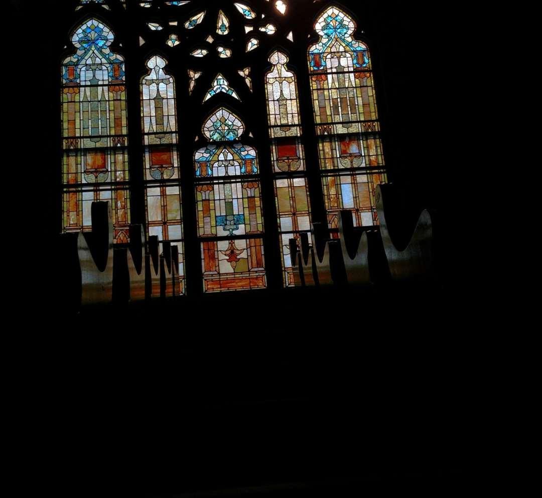 LC windows pews