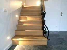 Trappenhal - renovatie marmeren trap naar vol eiken afwerking