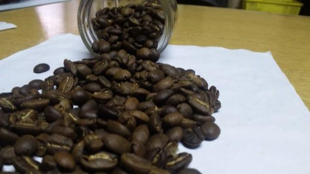 手炒りのコーヒー豆